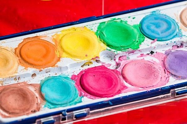 paint box with messy paints representing meesy life the positive psychology people blog
